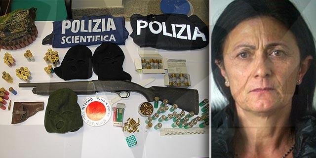 Viola Inzillo e l'arma e le munizioni sequestrate